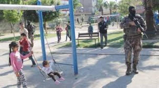 Çocuk parkından fışkırdı! Polis bile bu kadarını beklemiyordu