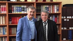 Ak Parti meclis üyesi Ebubekir Taşyürek Ahmet Şimşek Kolejini ziyaret etti...
