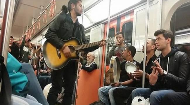 'Gökçek yasağı' bitti: Metroda müzik yapmak serbest