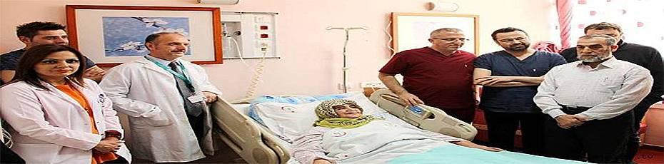 Kalbe giden damarı yırtılan kadın ameliyatla hayata döndü