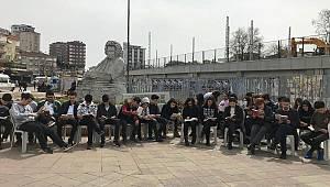 Şimşek öğrenciler kitap okumaya dikkat çektiler