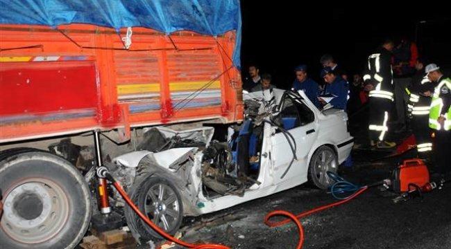 Sabaha karşı feci kaza: 3 ölü