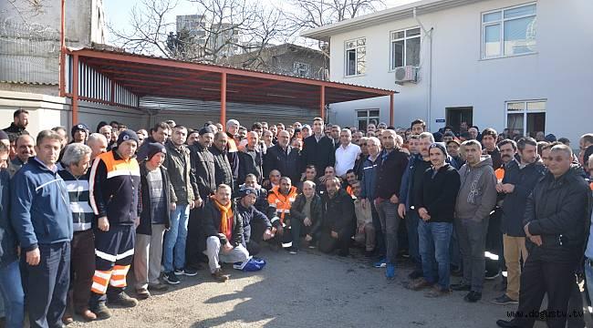 CHP Kartal Belediye Başkan Adayı Gökhan Yüksel'den temizlik ve atölye işçilerine ziyaret