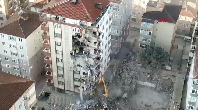 Kartal'da 10 katlı binada yıkım devam ediyor