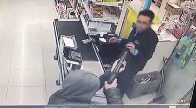 Polis bu soyguncuyu arıyor