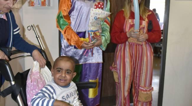 Çocuk hastalara kitap servisi