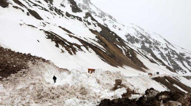 Kardan dolayı 5 aydır kapalı kalan Ovit Dağı geçidi açıldı
