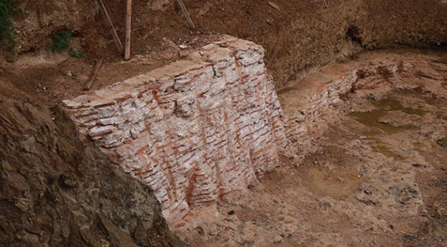 Kadıköy'de inşaat kazısında tarihi kalıntılar çıktı