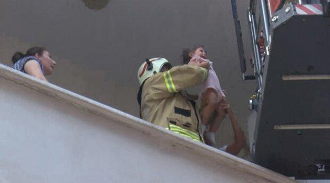 Son dakika... Esenyurt'ta yangın! Mahsur kalanlar kurtarıldı