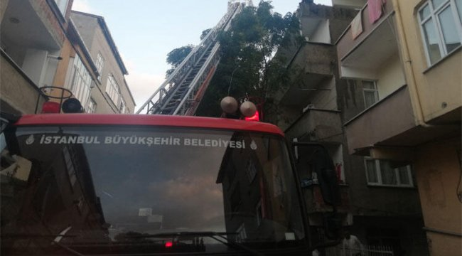 Son dakika... Avcılar'da korkutan yangın! Alev tüm binayı sardı