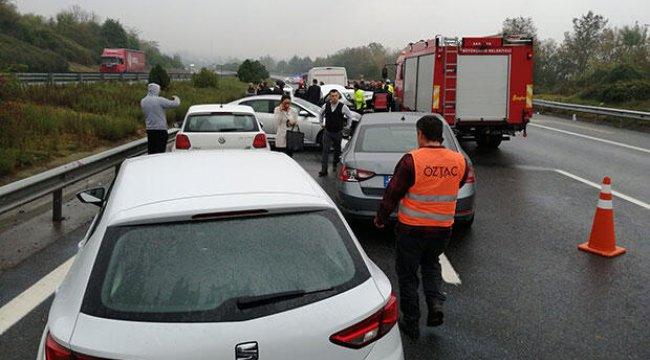 TEM'de 12 araç birbirine girdi: 3 yaralı