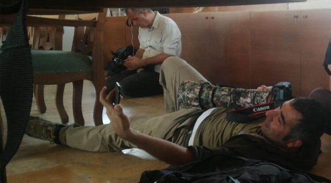 Teröristler gazetecileri hedef aldı! İşte o dehşet anları...