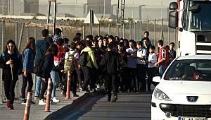 İstanbul'da akıl almaz olay! Okula yürüyerek gidip geliyorlar