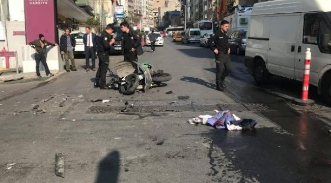 Kask takmayan motosiklet sürücüsü hayatını kaybetti