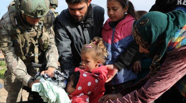 """MSB:"""" Tel Abyad'da 2-10 yaş arası çocuklara kıyafet yardımı yapıldı"""""""