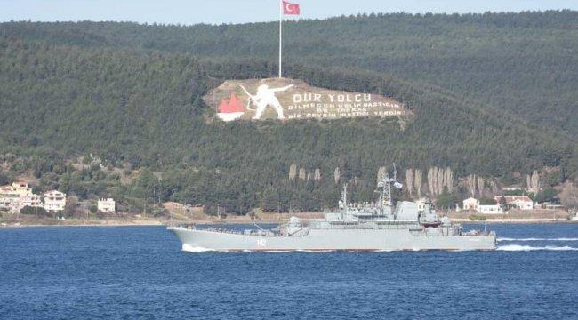 Rus savaş gemisi 'Novocherkassk', Çanakkale Boğazı'ndan geçti