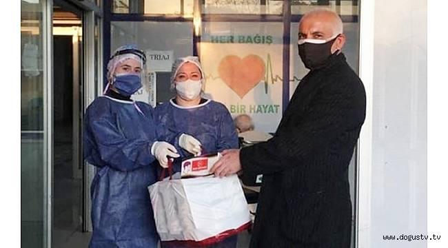 MHP Beykoz 10 bin maske dağıttı