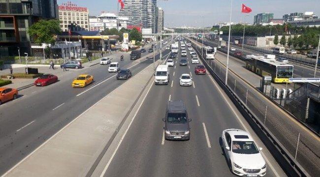 Normalleşme sürecinin ikinci gününde trafik yoğunluğu