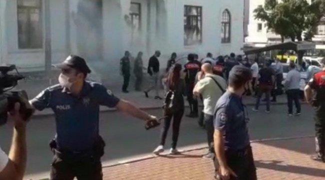 CHP'li Kayışoğlu kendisini yakan esnafı ziyaret etti