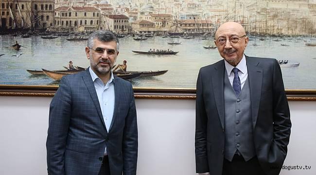 Sultanbeyli'de kültür sanat sezonu Özdemir Erdoğan'la başladı