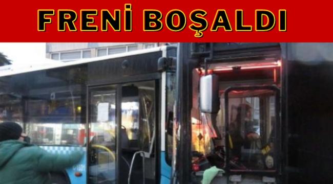 İstanbul'da İki Halk Otobüsü Kafa Kafaya Çarpıştı